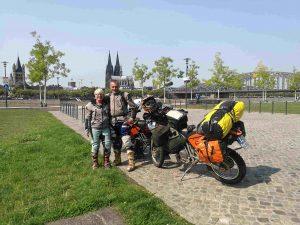 Zurück in Köln vorm Dom